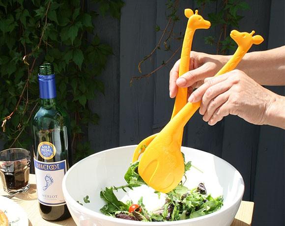 giraffe salad servers