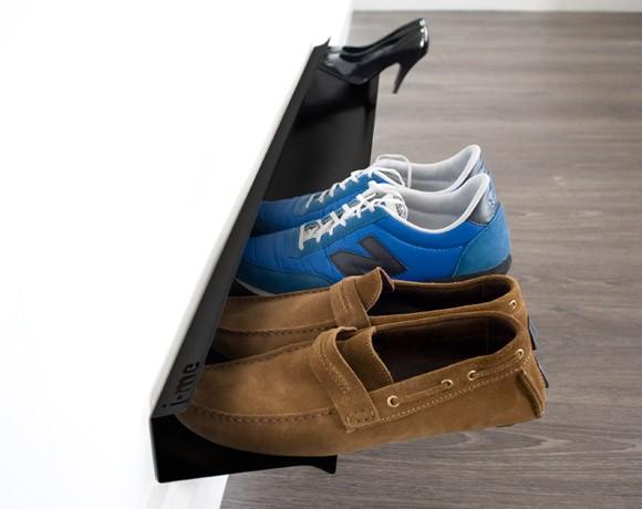 horizontal shoe rack black insitu