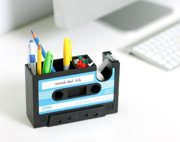 rewind desk tidy insitu